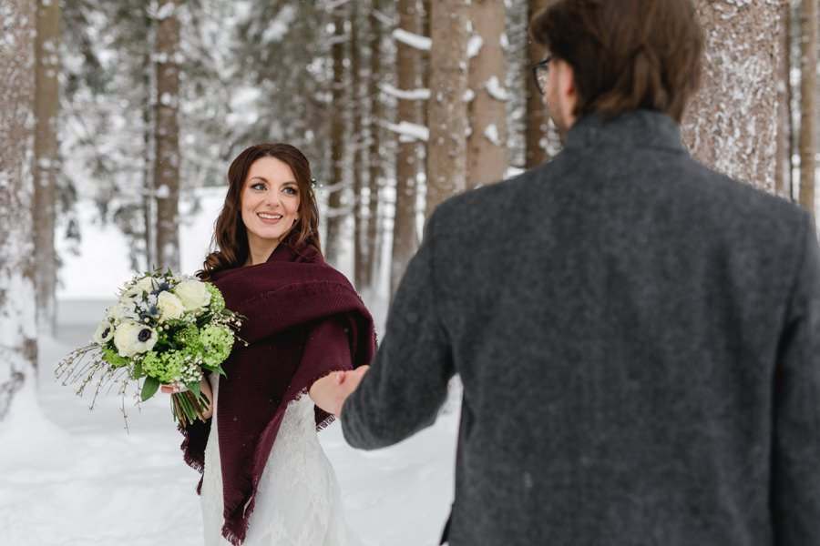 Follow me to a beautiful winter wedding in Austria - Stefanie Reindl Photography