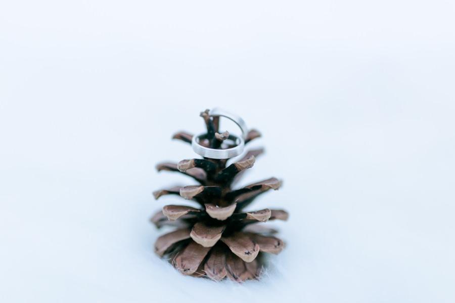 Hochzeitsringe für Winterhochzeit von Goldcircus - Stefanie Reindl Photography