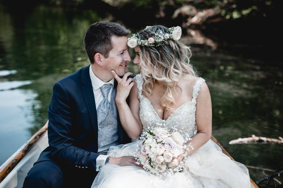 Brautfotos am Reintalersee in Kramsach Tirol - Hochzeitsfotograf Wildschönau Stefanie Reindl Photography