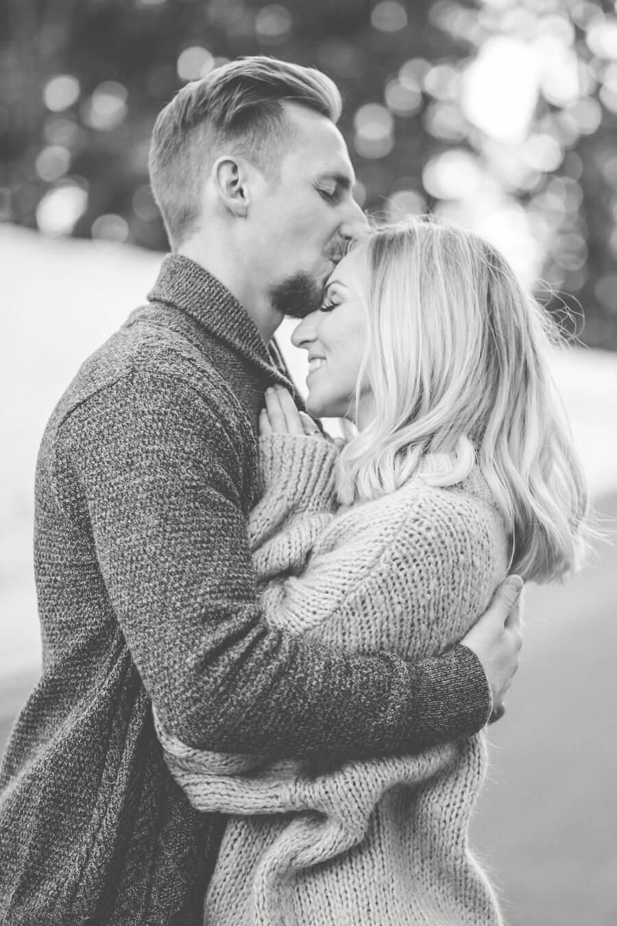 Ideen und Inspiration für schöne Verlobungsbilder   Hochzeitsfotograf Salzburg Stefanie Reindl Photography