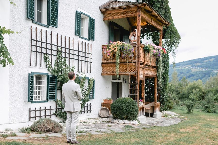 Hochzeit Mondsee: Der First Look ist immer ein besonderer Moment | Hochzeitsfotograf Mondsee Stefanie Reindl Photography