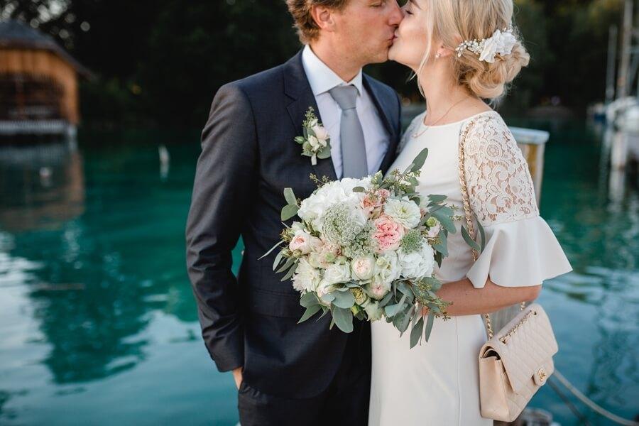 402-Standesamtliche-Hochzeit-Julia-und-Thomas-Schloss-Stefanie-Reindl-Photography