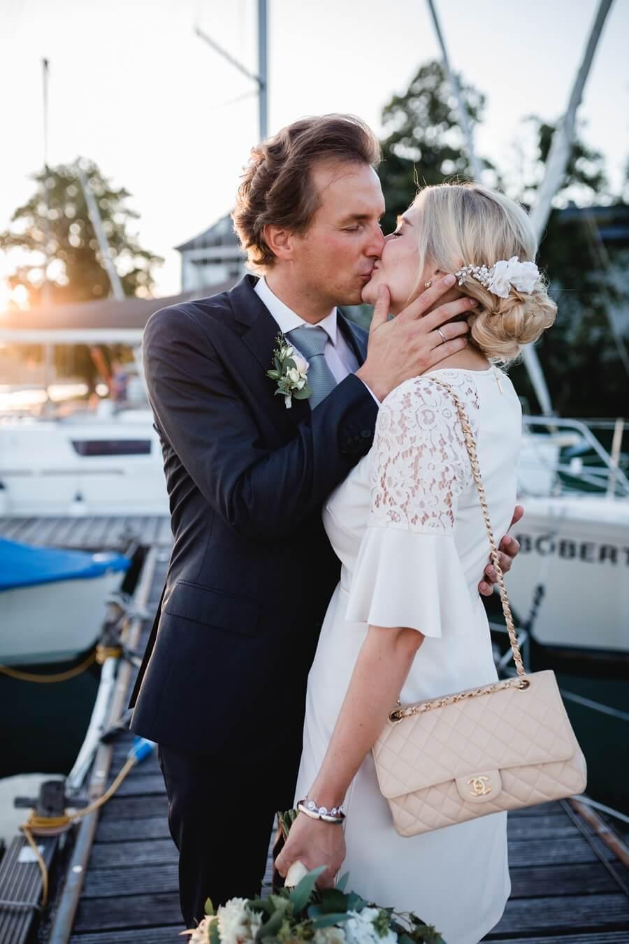 428-Standesamtliche-Hochzeit-Julia-und-Thomas-Schloss-Stefanie-Reindl-Photography