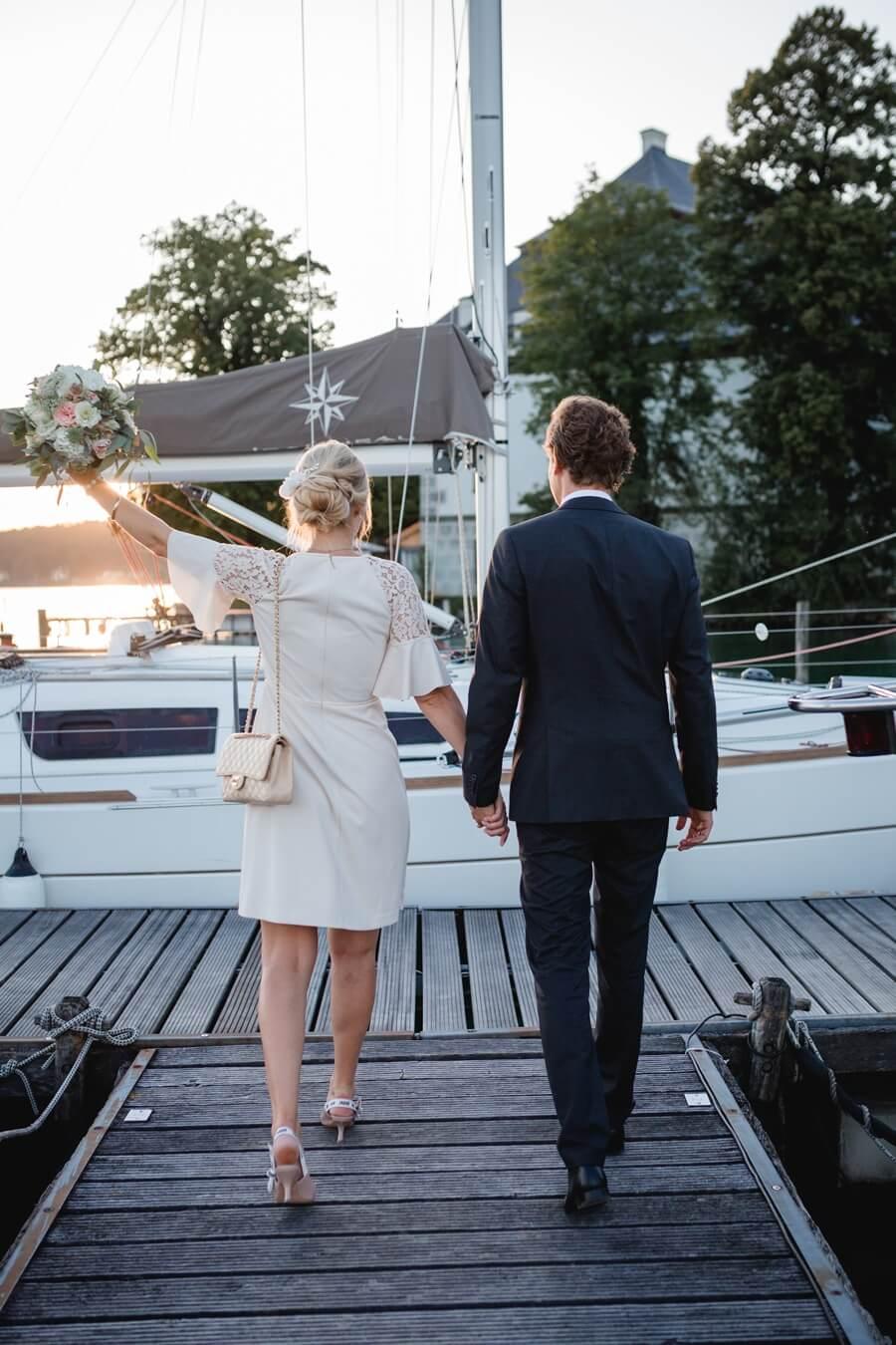 432-Standesamtliche-Hochzeit-Julia-und-Thomas-Schloss-Stefanie-Reindl-Photography